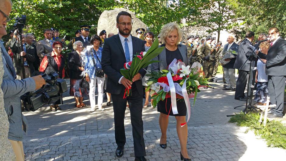 Ilustracja do informacji: Odsłonięcie pomnika w Żarach