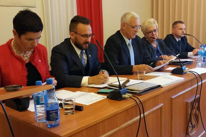 Ilustracja do informacji: X sesja Rady Powiatu Żarskiego