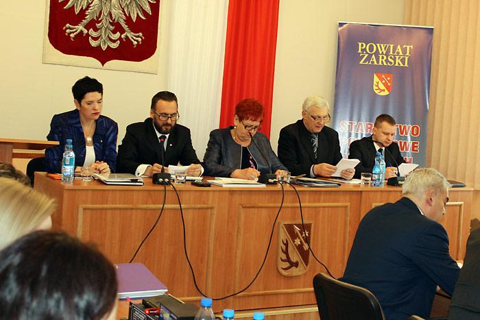 Ilustracja do informacji: XV sesja Rady Powiatu Żarskiego