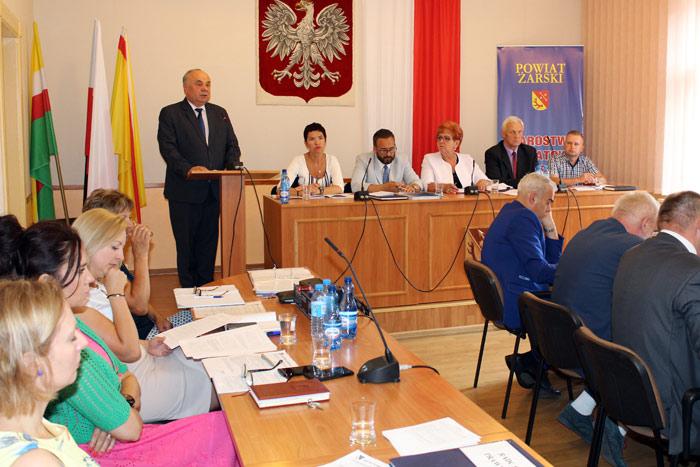 Ilustracja do informacji: XIX sesja Rady Powiatu Żarskiego