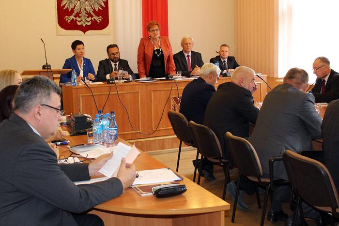 Ilustracja do informacji: XXI sesja Rady Powiatu Żarskiego