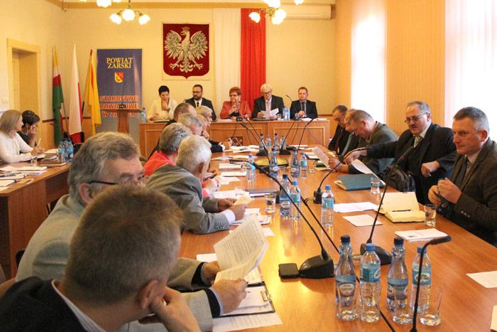Ilustracja do informacji: XXII sesja Rady Powiatu Żarskiego