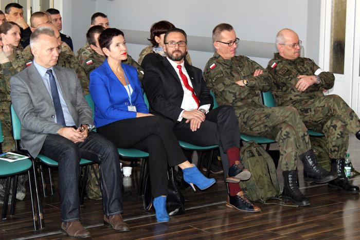 Ilustracja do informacji: Wspólne ćwiczenia samorządów i wojska