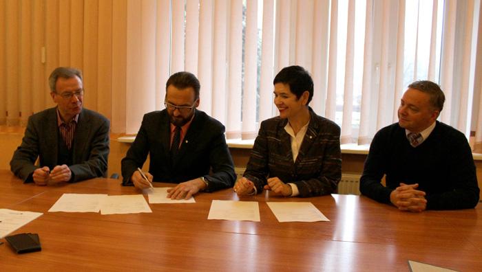 """Ilustracja do informacji: Podpisanie umowy partnerskiej z Saksońską Agencją Oświatową dot. projektu """"RegionalManagment"""""""