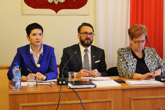 Ilustracja do informacji: XXIV Sesja Rady Powiatu Żarskiego