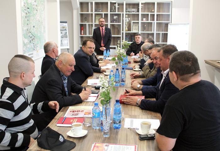 Ilustracja do informacji: Posiedzenie Zarządu i Komisji Rewizyjnej Oddziału Powiatowego ZOSP RP w Żarach
