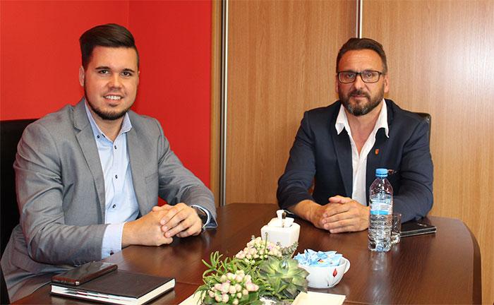 Ilustracja do informacji: Wiceprzewodniczący Rady Gminy Brody z wizytą u Starosty Żarskiego Janusza Dudojcia