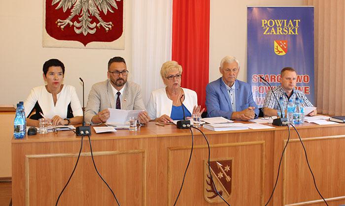Ilustracja do informacji: XXX Sesja Rady Powiatu Żarskiego