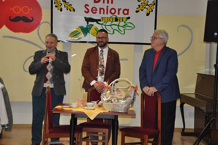 Ilustracja do informacji: Spotkanie Seniorów z Lubskiego Klubu Seniora ze Starostą Żarskim Januszem Dudojciem