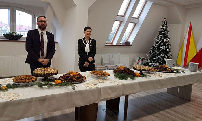 Ilustracja do informacji: Spotkanie opłatkowe pracowników Starostwa Powiatowego w Żarach