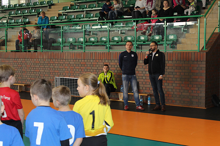 Ilustracja do informacji: Halowy Turniej Piłki Nożnej pod Patronatem Starosty Żarskiego