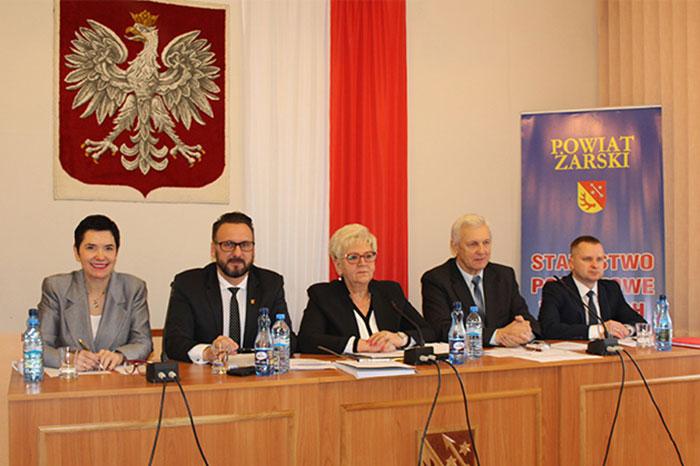 Ilustracja do informacji: XXXV sesja Rady Powiatu Żarskiego