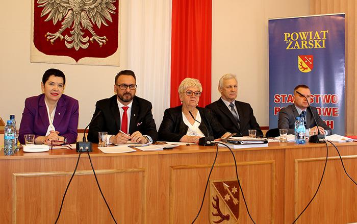 Ilustracja do informacji: XXXVII sesja Rady Powiatu Żarskiego
