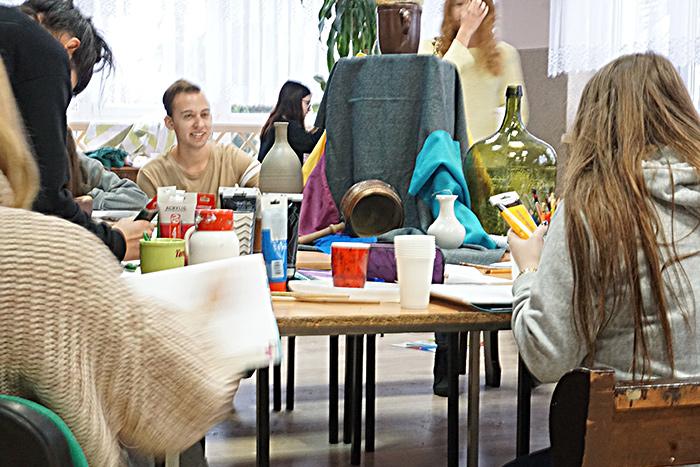 """Ilustracja do informacji: Kurs rysunku i malarstwa """", który odbył się w Zespole Szkół Ekonomicznych w Żarach w dn 14-18.11.2018r"""