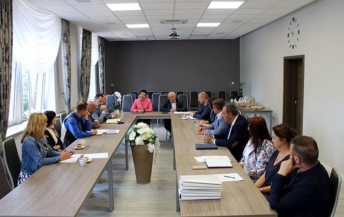 Ilustracja do informacji: Spotkanie z Wójtami i Burmistrzami Miast i Gmin Powiatu Żarskiego