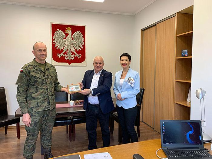 Ilustracja do informacji: Spotkanie Starosty i Wicestarosty z Wojskowym Komendantem Uzupełnień.