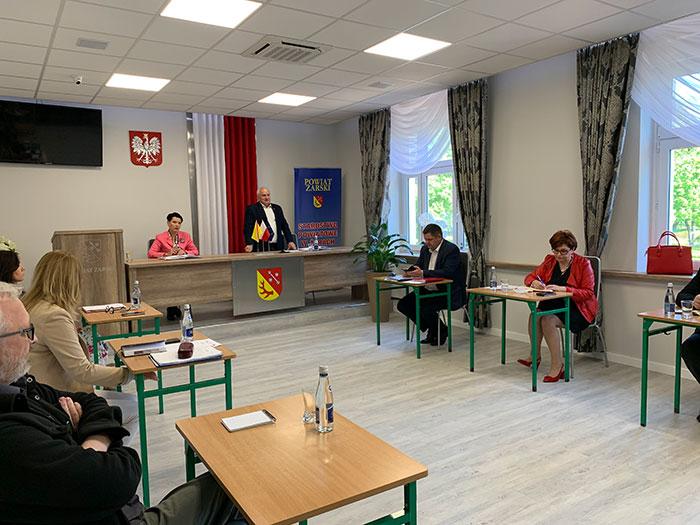 Ilustracja do informacji: Spotkanie Starosty i Wicestarosty z Dyrektorami Szkół i Placówek Oświatowych Powiatu Żarskiego