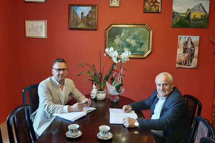 Ilustracja do informacji: Spotkanie Starosty Żarskiego Józefa Radziona z Burmistrzem Lubska Januszem Dudojciem
