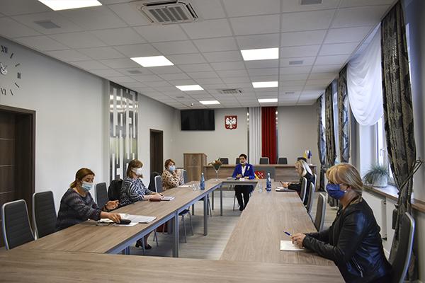 Ilustracja do informacji: Spotkanie Wicestarosty z Dyrektorami Powiatowych Domów Dziecka i Domów Pomocy Społecznej