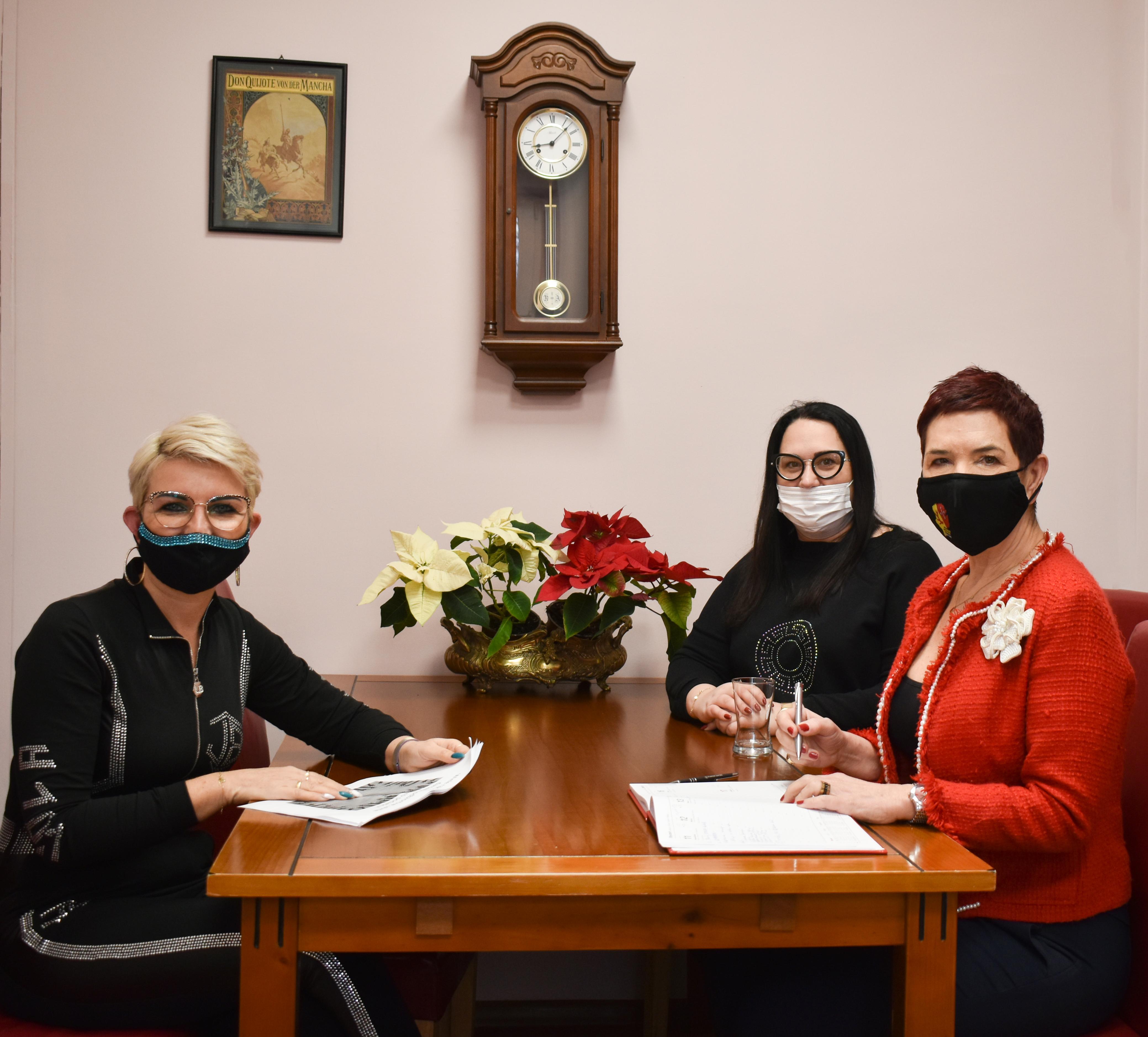 Ilustracja do informacji: Robocze spotkanie Wicestarosty z pomysłodawczyniami utworzenia Jadłodzielni w Żarach.