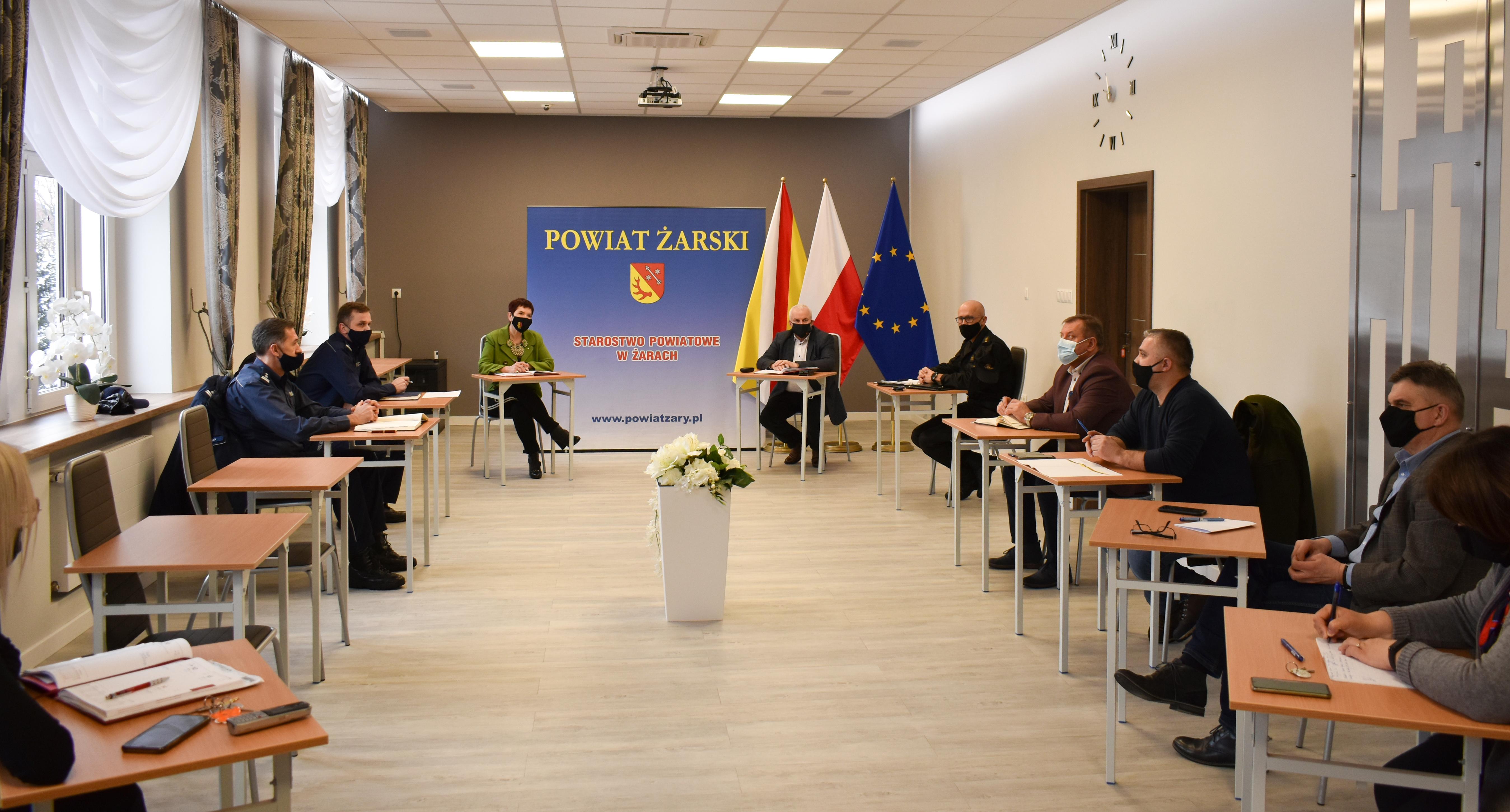Ilustracja do informacji: Posiedzenie Powiatowego Zespołu Zarządzania Kryzysowego.