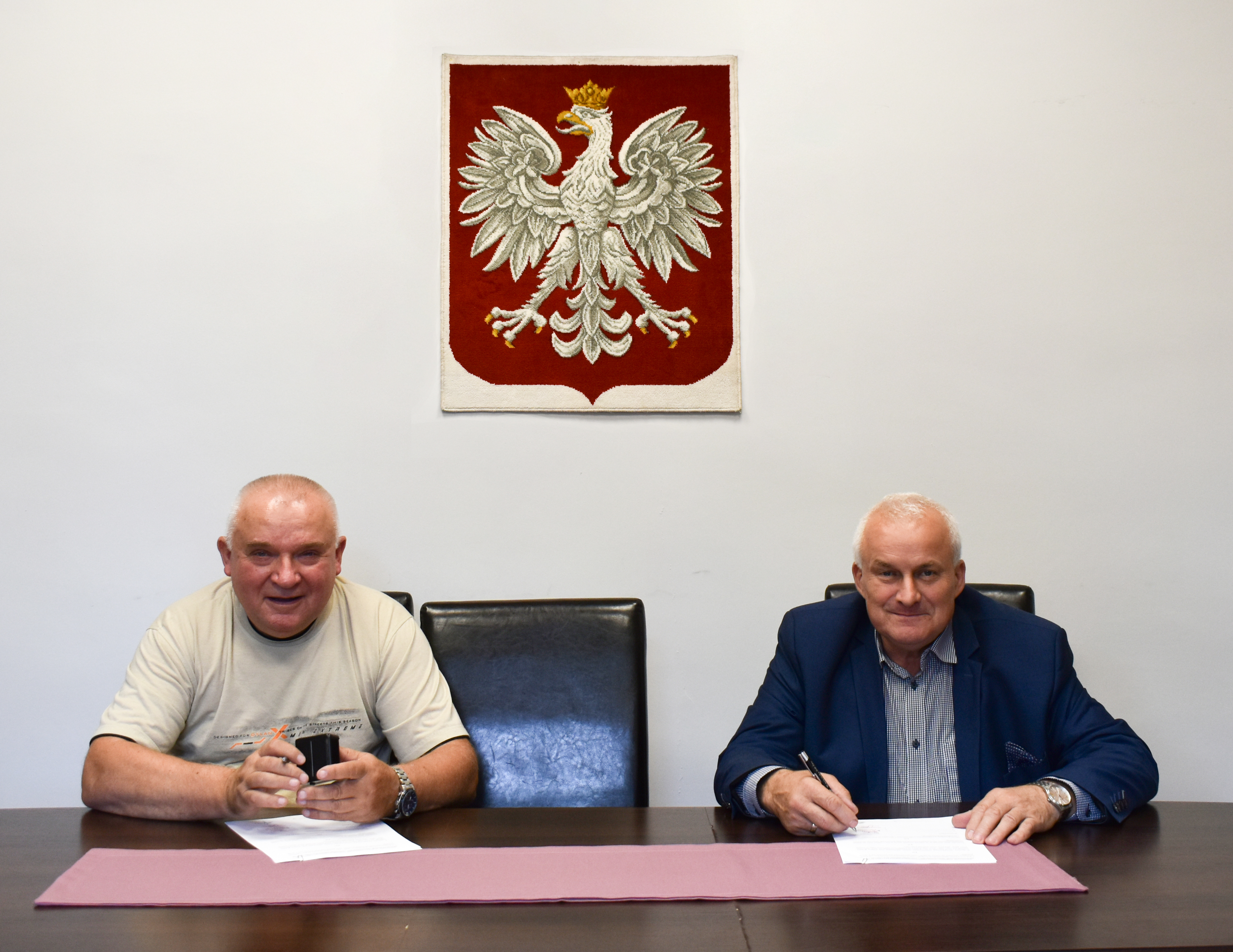 Ilustracja do informacji: Podpisanie umowy na termomodernizacje dachu w DPS w Miłowicach