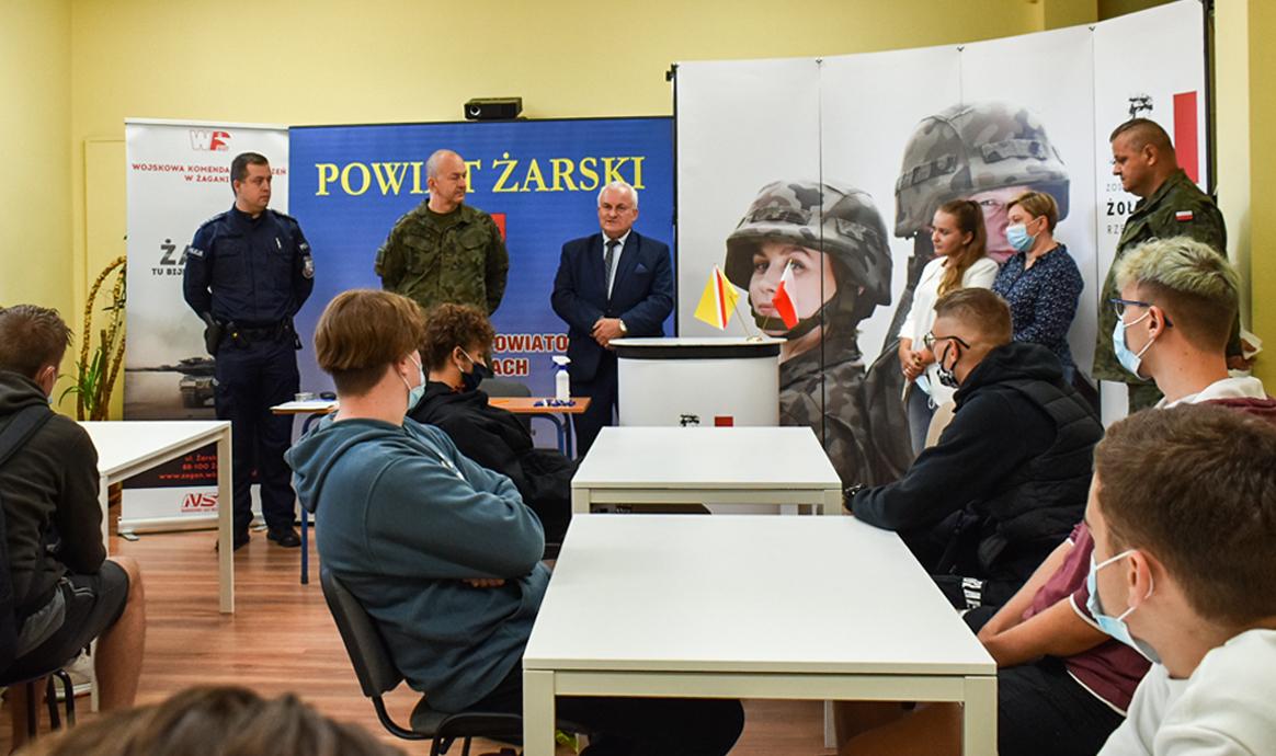 Ilustracja do informacji: Rozpoczęcie kwalifikacji wojskowej z Powiecie Żarskim